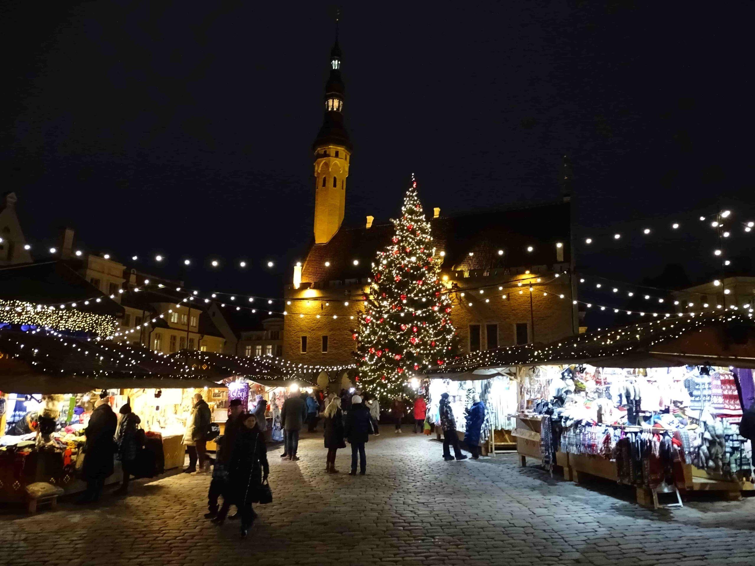 Jõulud vanas Tallinnas – Kiek in de Kök, Niguliste kirik, raekoda, jõuluturg.